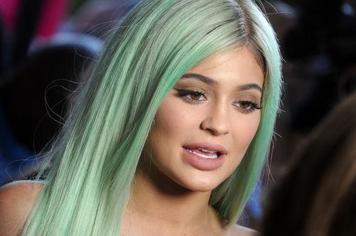 Le nouveau visage de Kylie Jenner